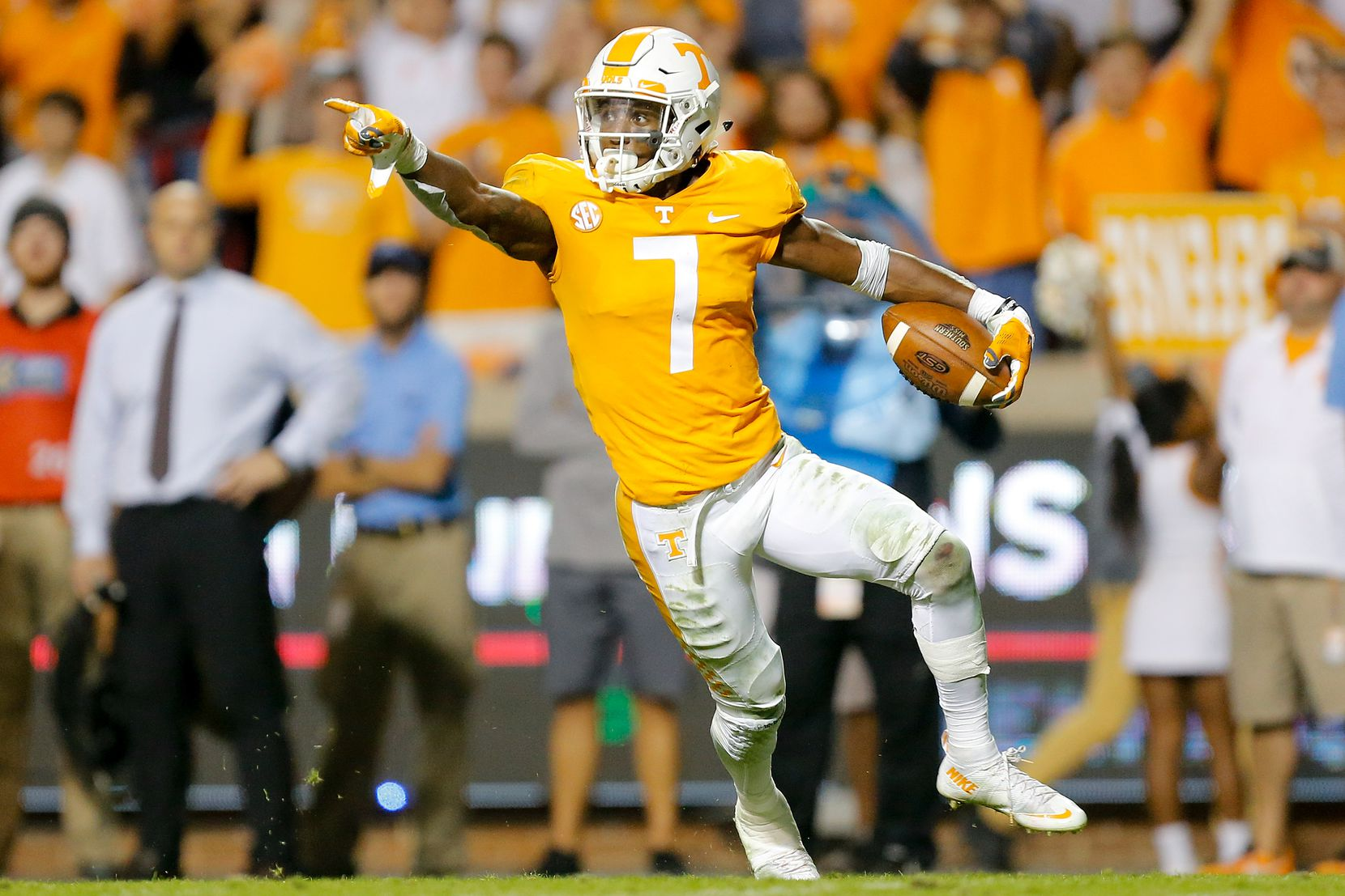 KNOXVILLE, TN - NOVEMBER 04:  Rashaan Gaulden #7 of the Tennessee Volunteers reacts after a fumble recovery against the Southern Miss Golden Eagles during the second half at Neyland Stadium on November 4, 2017 in Knoxville, Tennessee.  (Photo by Michael Reaves/Getty Images)
