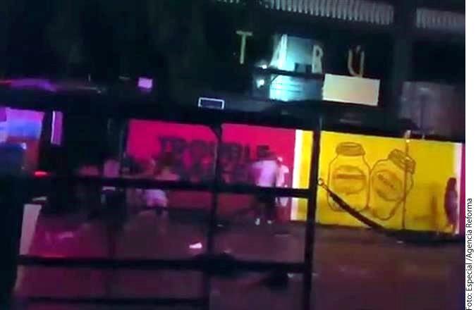Un tiroteo en un hotel de Playa del Carmen, donde se clausuraba un festival, dejó al menos 5 muertos y 15 heridos, según organizadores./ AGENCIA REFORMA