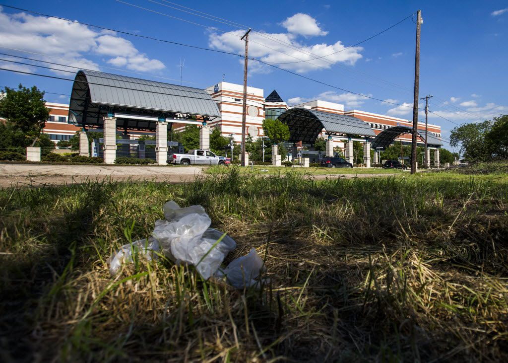 A vacant lot sits in the 4600 block of Lancaster Rd., in Dallas, where the Patriot's Crossing development near the VA Hospital was planned to be, shown on Wednesday, April 29, 2015 in Dallas. Yigal Lelah pledged to build a mixed use or housing development across Lancaster Rd. from the hospital. (Ashley Landis/The Dallas Morning News)