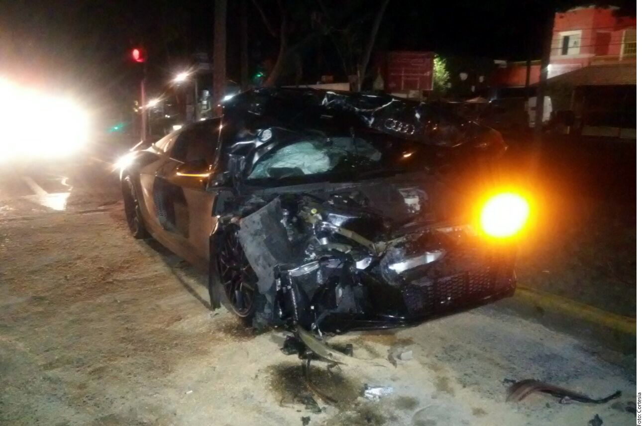 Alan Pulido habría salido ileso del accidente./ AGENCIA REFORMA