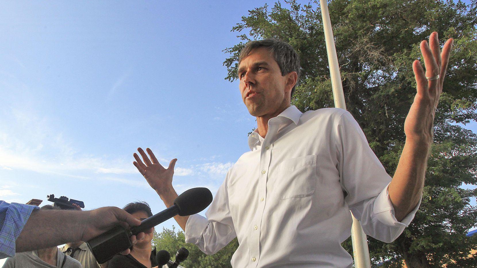 Beto O'Rourke ha demostrado que puede igualar a Ted Cruz en recaudación, pero aún le falta notivar a latinos y afroamericanos. (AP/Joel Martinez)