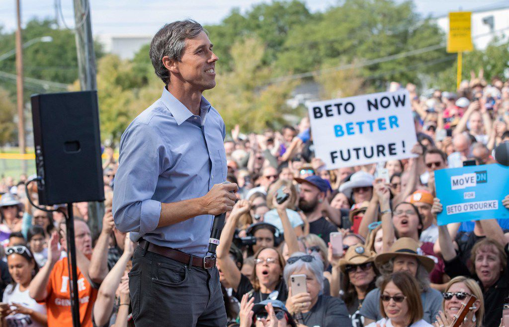 Rep. Beto O'Rourke stumps in Austin at the Pan American Neighborhood Park on November 4, 2018.