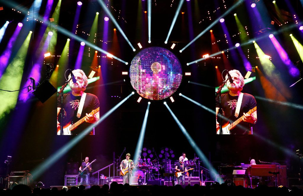 Dead and Company, a Grateful Dead spinoff band performs at American Airlines Center in Dallas on Dec. 1, 2017.  (Nathan Hunsinger/The Dallas Morning News)