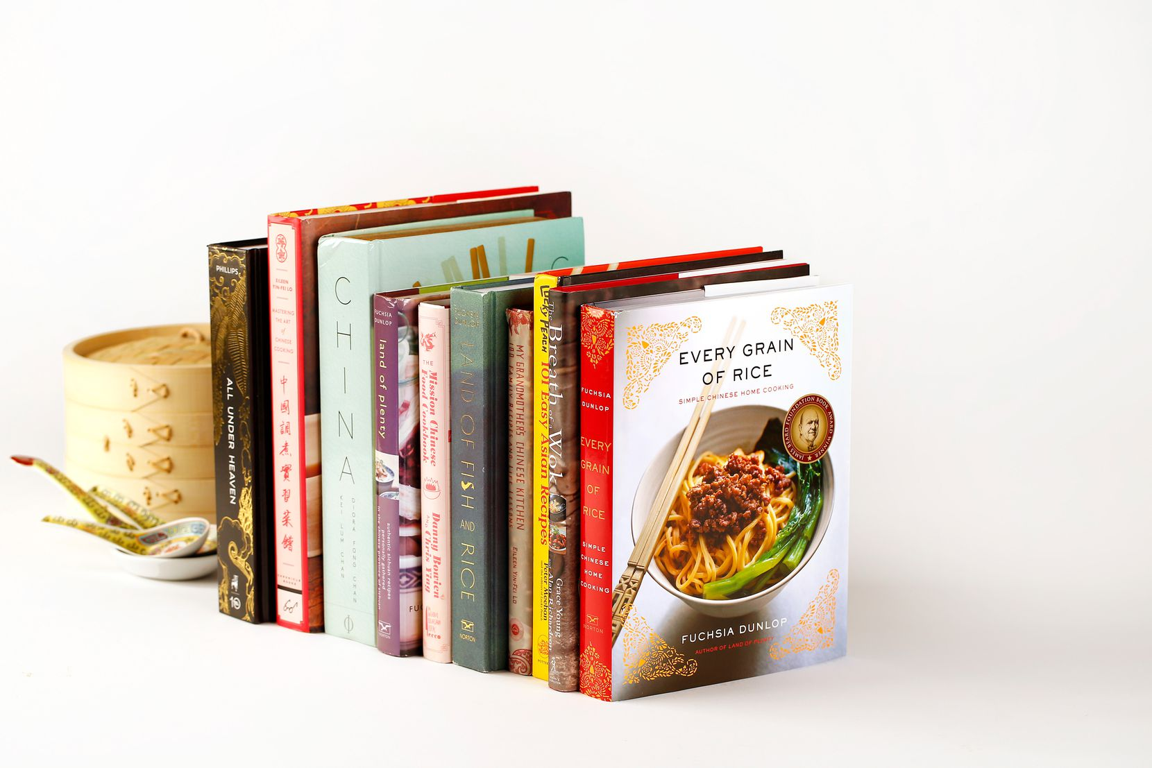 From regional deep-dives to friendly books for beginners to comprehensive classics, there's something for every type of cook in our selection of recommended Chinese cookbooks.