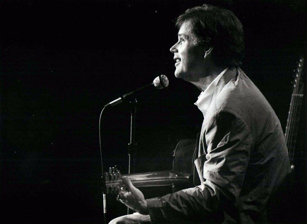 Shot January 22, 1993 - Leo Kottke performs at the Caravan of Dreams in Fort Worth.