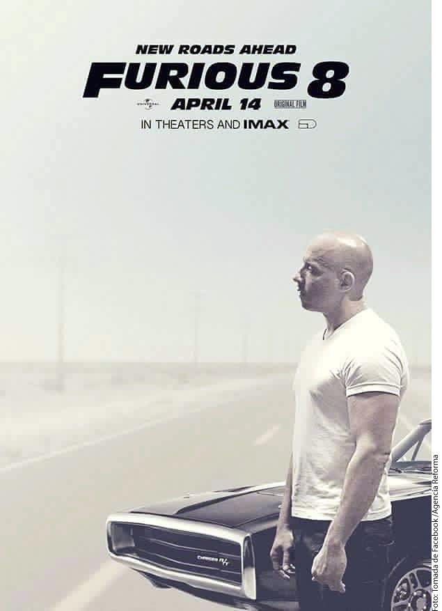 En el póster de Rápidos y Furiosos 8 Vin Diesel aparece sin su compañero Paul Walker. /AGENCIA REFORMA