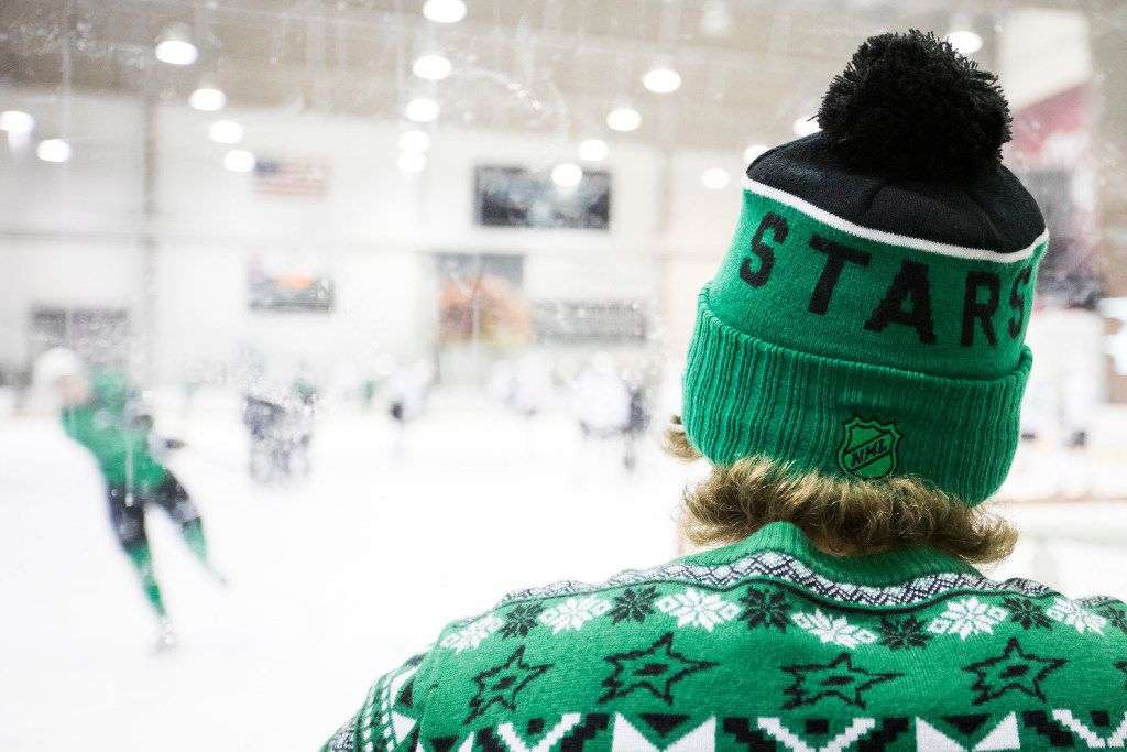 Fans watch a workout on the first day of Dallas Stars development camp at the Dr Pepper StarCenter on Saturday, July 8, 2017, in Frisco. (Smiley N. Pool/The Dallas Morning News)