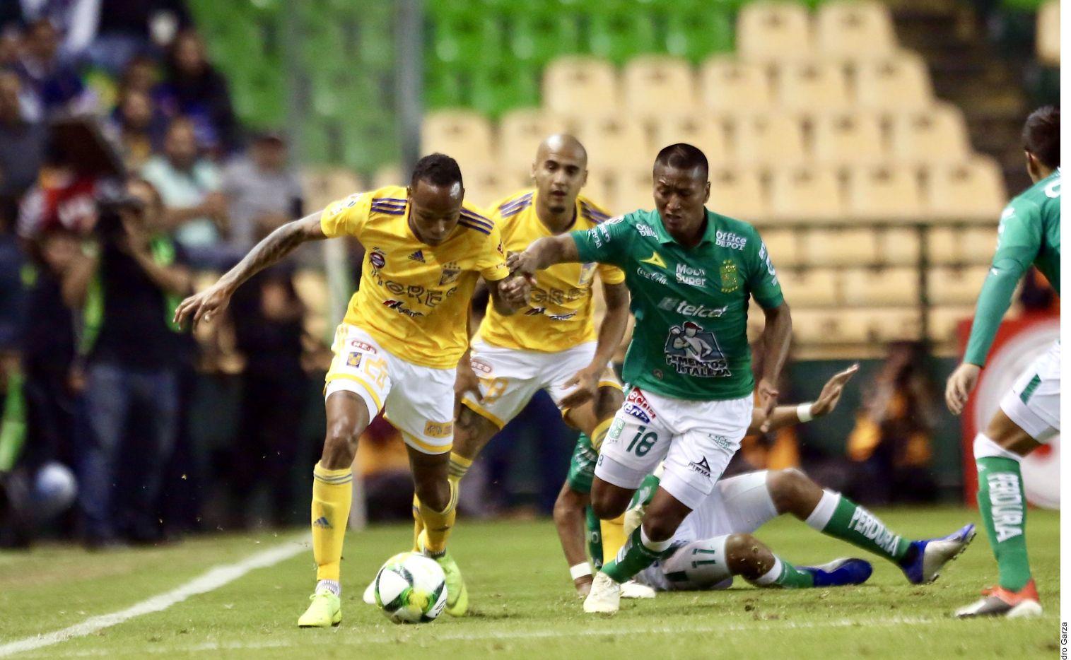 América venció 1-0 a León en el partido de ida de la semifinal de la Liga MX, pero León avanza a la final por mejor posición en la clasificación general. AGENCIA REFORMA.
