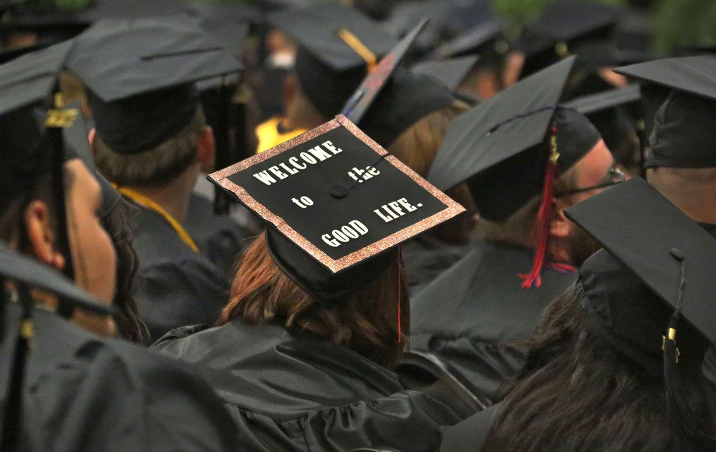 A new federal report says too much confusion over a loan-forgiveness program for public service workers meant too few students received the benefit.