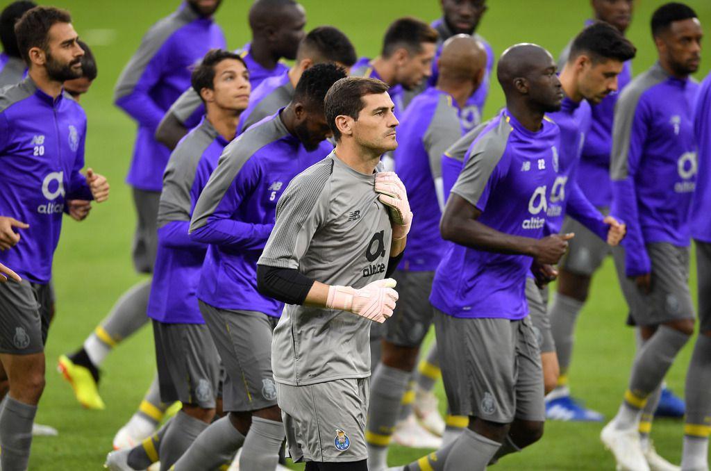 Iker Casillas y el Porto son parte del Grupo D. (AP Photo/Martin Meissner)