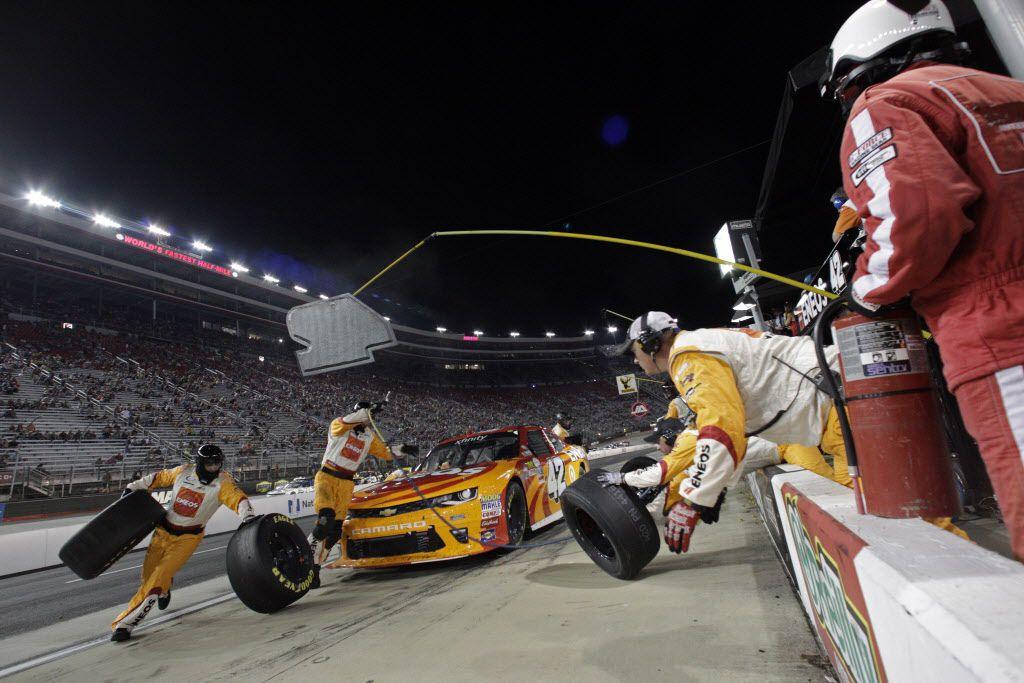 La NASCAR XFINITY Series y la NASCAR Camping World Truck Series se corren en noviembre en el TMS. Foto AP