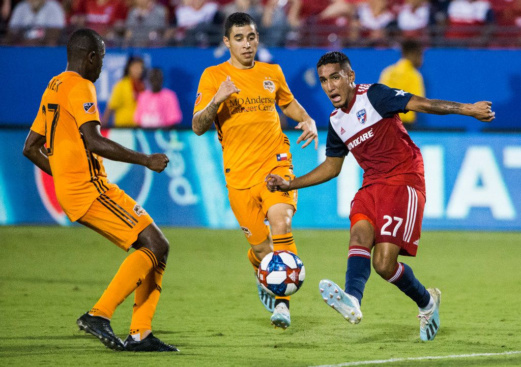 FC Dallas forward Jesus Ferreira (27) makes a pass during the first half of an MLS game between FC Dallas and Houston Dynamo on Sunday, August 25, 2019 at Toyota Stadium in Frisco, Texas. (Ashley Landis/The Dallas Morning News)