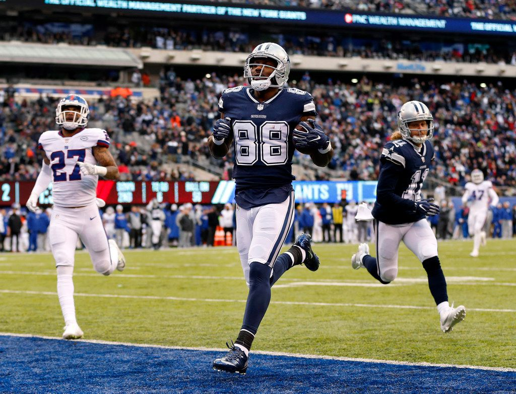 Dallas Cowboys wide receiver Dez Bryant (88) races for a second quarter touchdown after shaking New York Giants defensive back Brandon Dixon (not pictured) at MetLife Stadium in East Rutherford, New Jersey, Sunday, December 10, 2017. (Tom Fox/The Dallas Morning News)