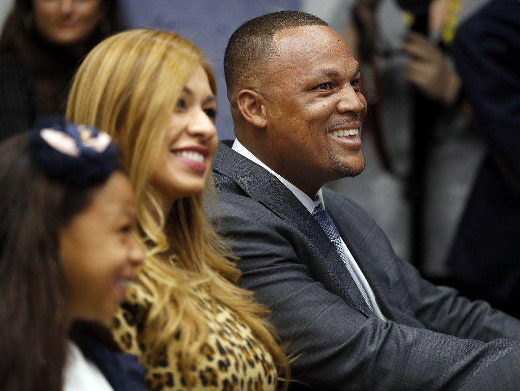 Adrián Beltré y su esposa no fueron reconocidos por entrevistadora en video de J.C. Penney. (Tom Fox/The Dallas Morning News)