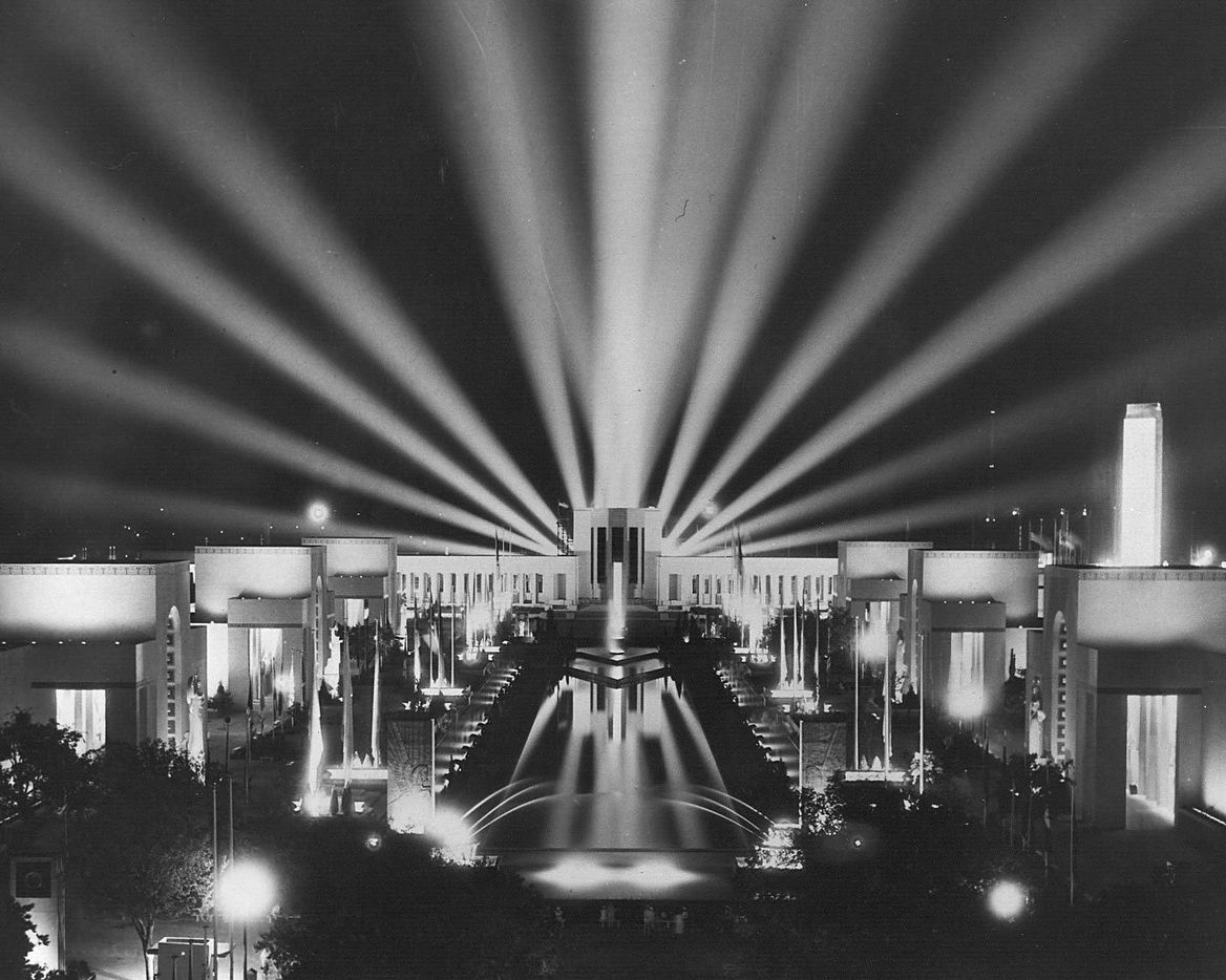 A spectacle of light was created nightly at the 1936 Texas Centennial Exposition when the Esplanade of State was turned into a magical display of ever-changing lights.  In all, 12 million watts (enough electricity for a city of 100,000) were used to power the Centennial light show.  More than 100 miles of wire, 5,000 flood lights, 20,000 lamps and 20,000 feet of neon tubing were used to produce the night-time marvel.