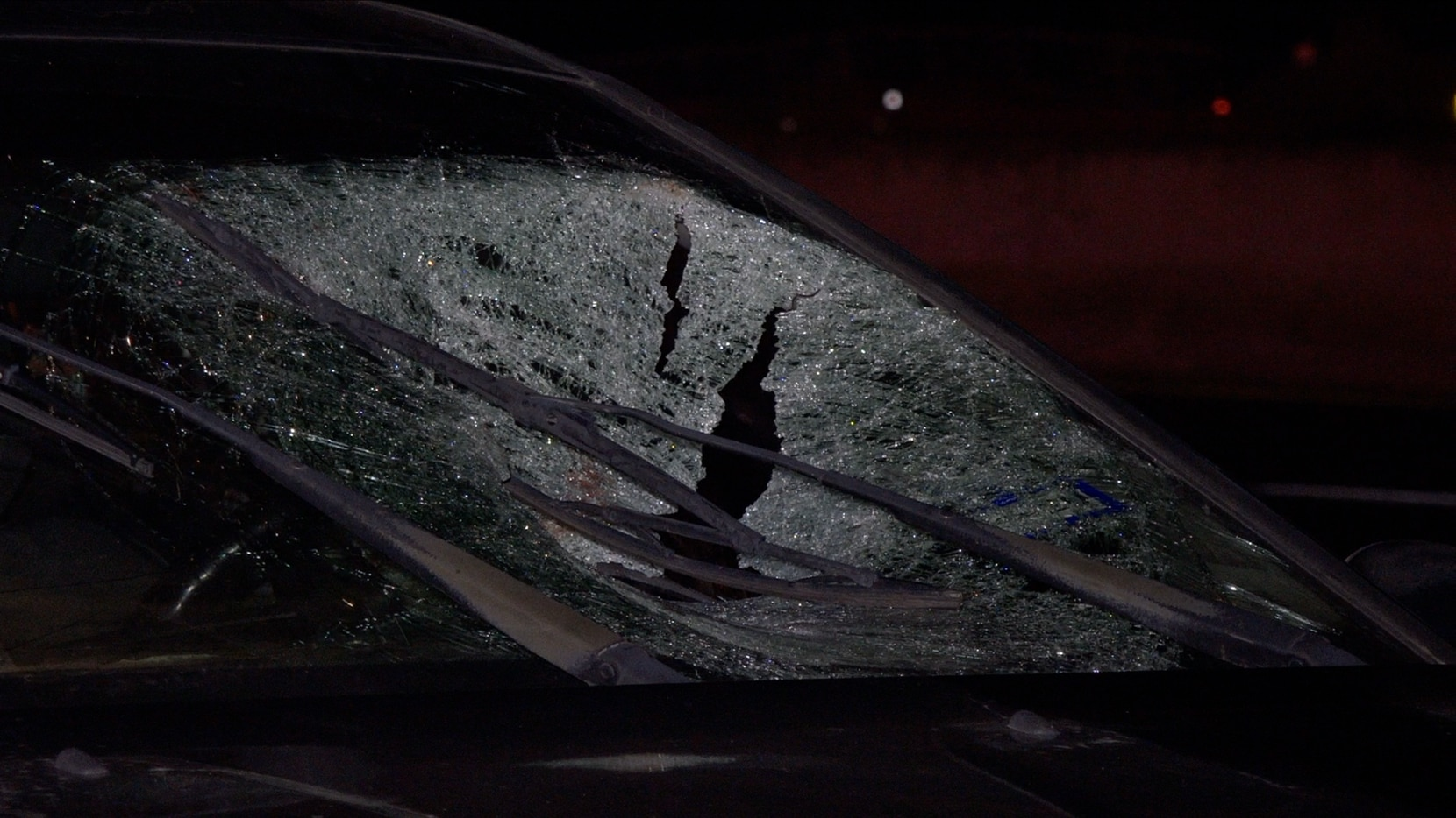 2 pedestrians killed in separate crashes on I-35E in Dallas
