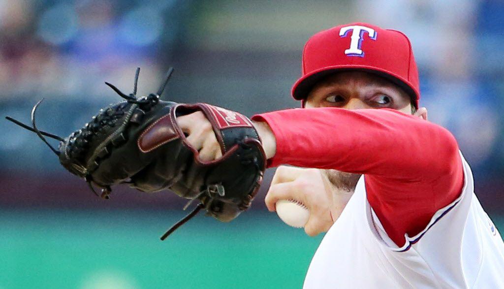 El pítcher Tanner Scheppers y los Rangers serán locales para los dos primeros juegos de la serie divisional. DMN
