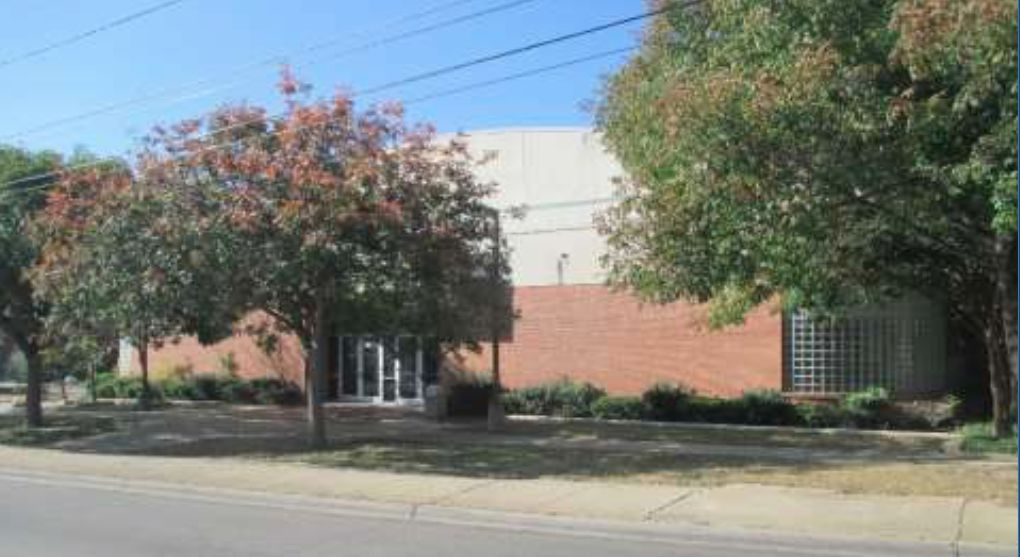 The former Urban League building in South Dallas has been vacant for several years.