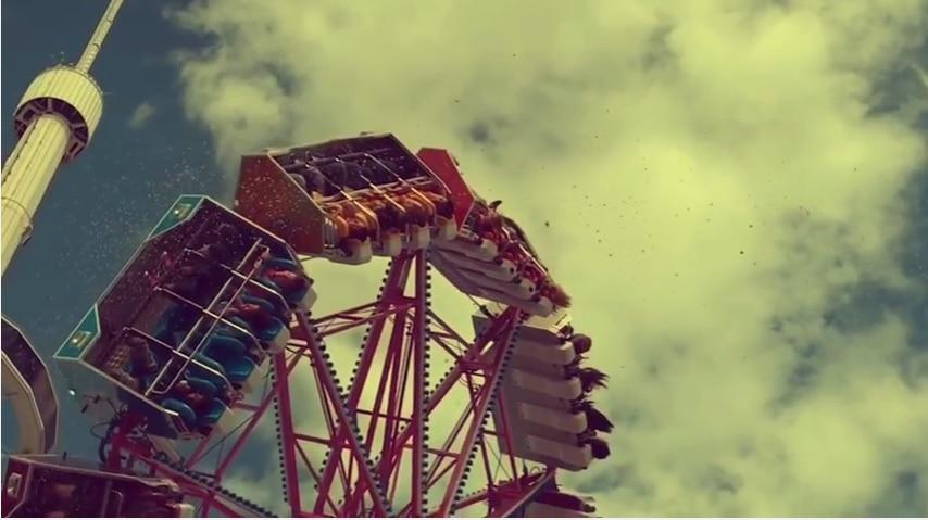 Un video grabado con un iPhone 7,  captó el momento en el que un niño no la pasó muy bien en los juegos mecánicos. FOTO TOMADA DE YOUTUBE