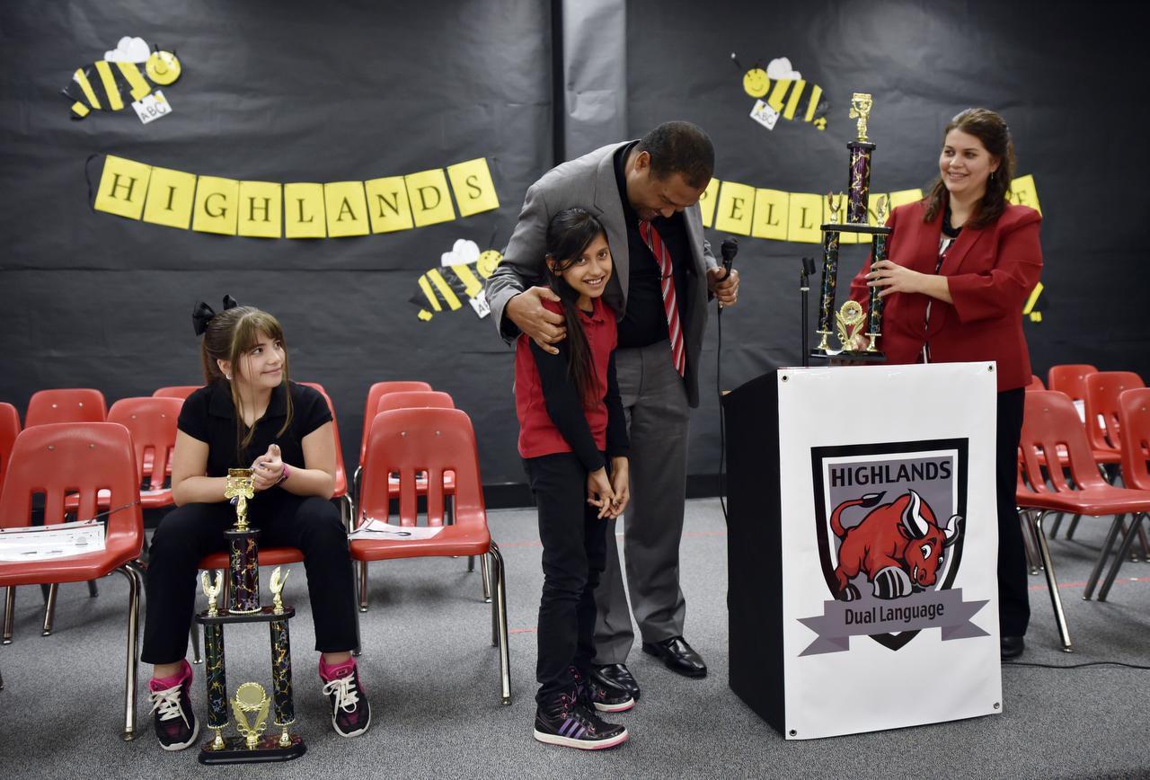 Estudiantes de Cedar Hill participaron en concurso de deletreo en español este jueves. (ESPECIAL PARA AL DÍA/BEN TORRES)