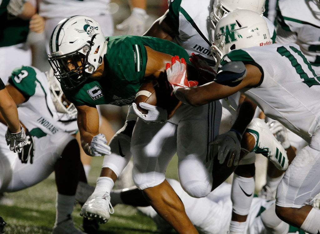 Mesquite Poteet RB Seth McGowan (7) tears through the Waxahachie defense for a touchdown during the first half of a high school football game at Memorial Stadium in Mesquite, Thursday, September 6, 2018. (John F. Rhodes / Special Contributor)