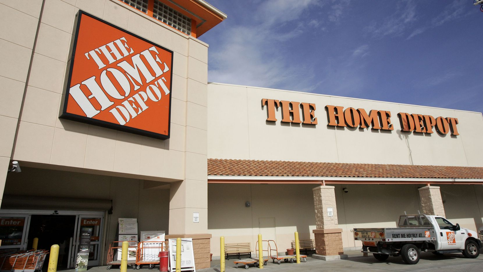 Home Depot is planning a new distribution center near I-30 in West Dallas.