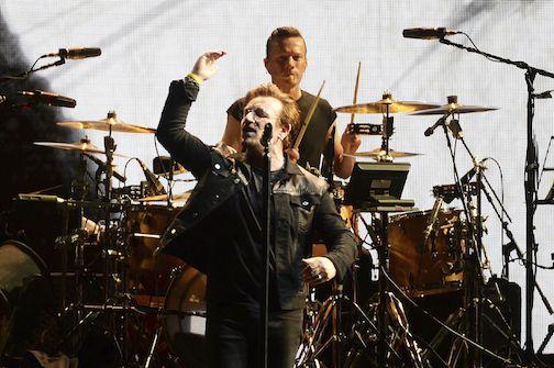 """La banda irlandesa U2 inició su gira """"The Joshua Tree 2017"""" en Vancouver, Canadá. AP"""