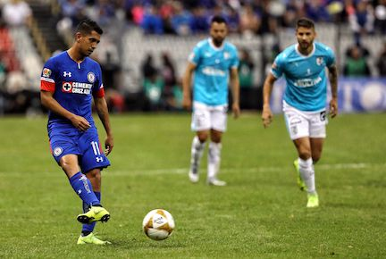 Elias Hernández se resintió de una lesión y está en duda para el partido ante Chivas. AGENCIA REFORMA.