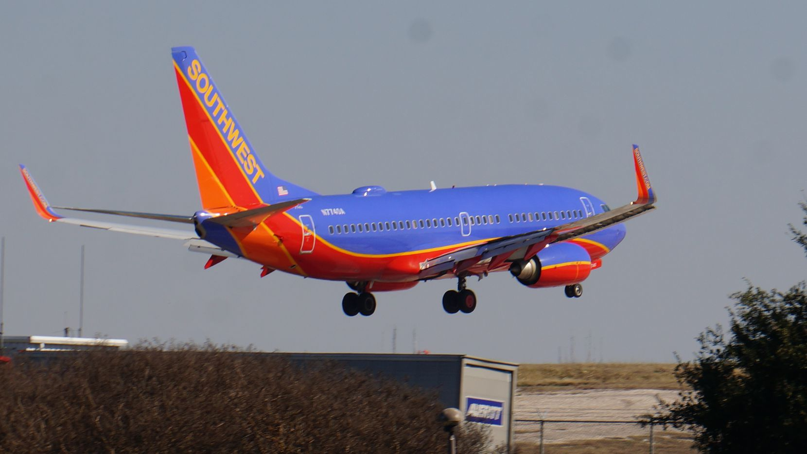 A Boeing 737-700 operated by Southwest Airlines lands at Dallas Love Field in this February photo. (Terry Maxon/DMN)