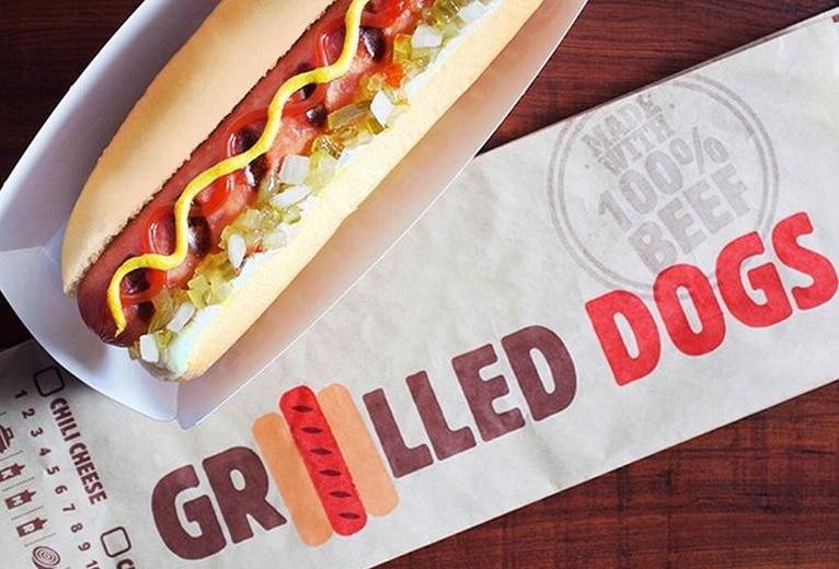 Comenzando el 23 de febrero, Burger King tendrá los hot dogs Classic Grilled Dog y Chiili Cheese Dog en sus sucursales./INSTAGRAM