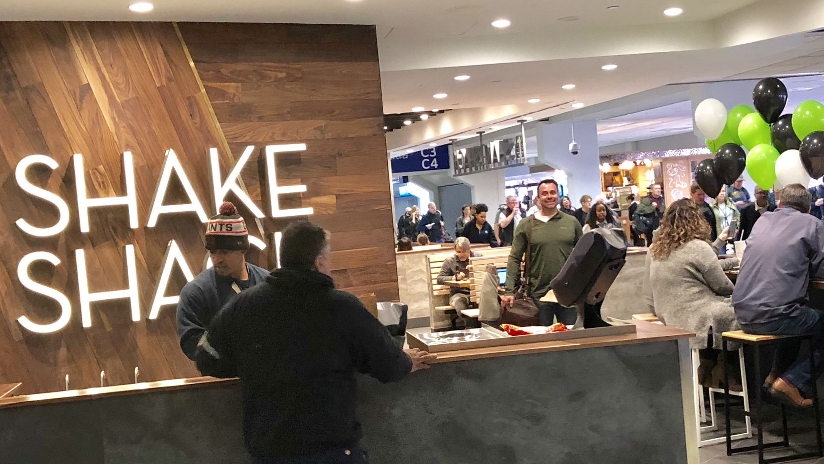 Latest Shake Shack Opens At Dfw Airport S Terminal C