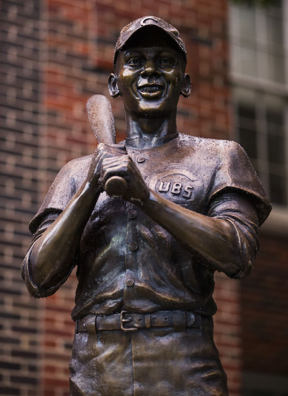 A statue of MLB Hall of Fame and Dallas native Ernie Banks, by artist Emmanuel Gillespie
