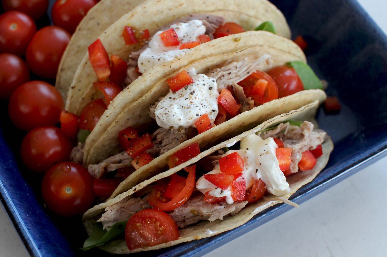 La carne de puerco se hace en la olla lenta y es perfecta para los tacos (AP/MATTHEW MEAD)