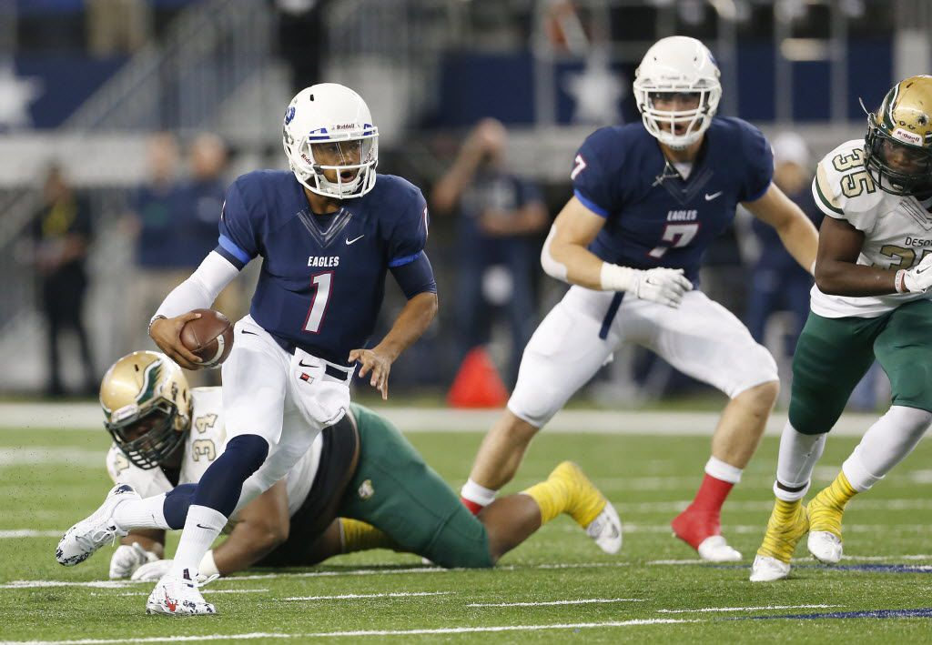 Allen quarterback Kyler Murray (1) rushes for a touchdown to make the score 6-0 in the first quarter during the second round of the high school football Class 6A Division I playoffs between Allen and DeSoto at AT&T Stadium in Arlington, Texas Saturday November 22, 2014. Allen beat DeSoto 25-22 on a field goal by kicker Sawyer Williams (15) as time expired. (Andy Jacobsohn/The Dallas Morning News) 11232014xSPORTS