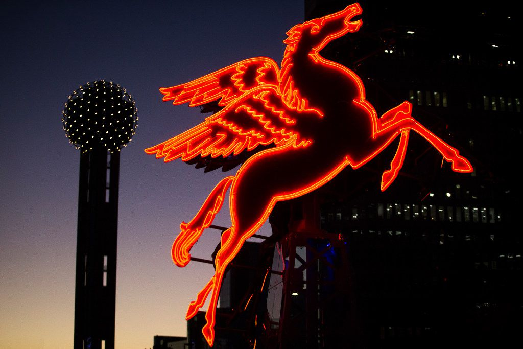 The restored original Pegasus seen at dusk during the Omni Lawn Party at the Omni Dallas Hotel on Friday, Nov. 18, 2016, in Dallas. (Smiley N. Pool/The Dallas Morning News)