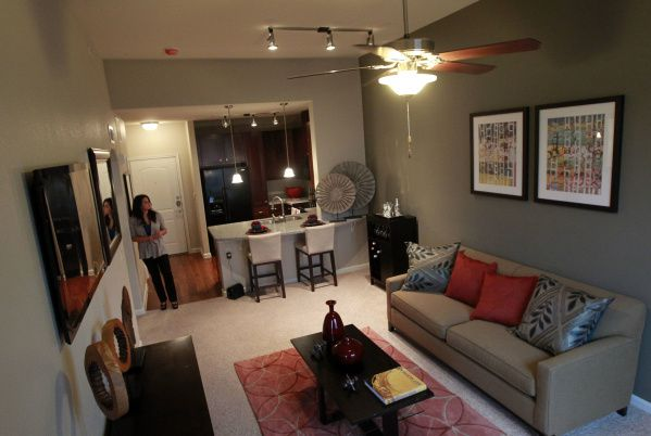 The layout of the floor plan called the St. Thomas apartment includes 737 square feet. Rents at Hebron 121 Station range from $772 to $1,550 a month.