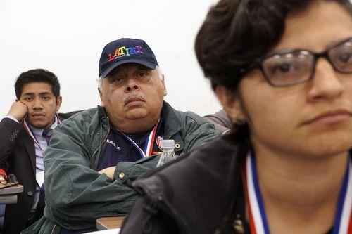 Deyvid Morales (izq.), junto a Jesse Tafalla Jr. y Selene Cruz Cruz, durante la Cumbre de los Dreamers que se realizó en El Centro College el fin de semana. LAWRENCE JENKINS/ESPECIAL PARA DMN