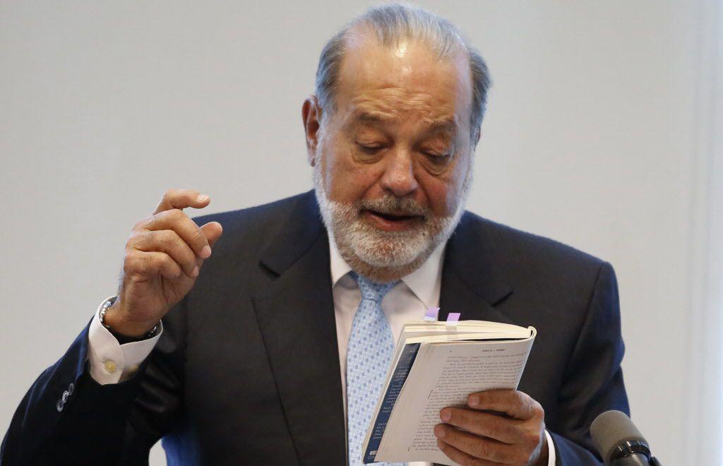 El empresario y magnate mexicano Carlos Slim realizó una conferencia de prensa. /AP