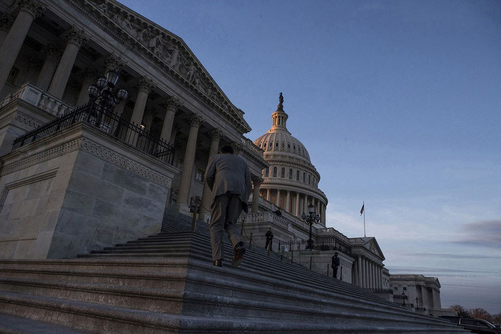 The U.S. Capitol Building at dusk on Jan. 20, 2018, in Washington, D.C. (Alex Edelman/CNP/Zuma Press/TNS)