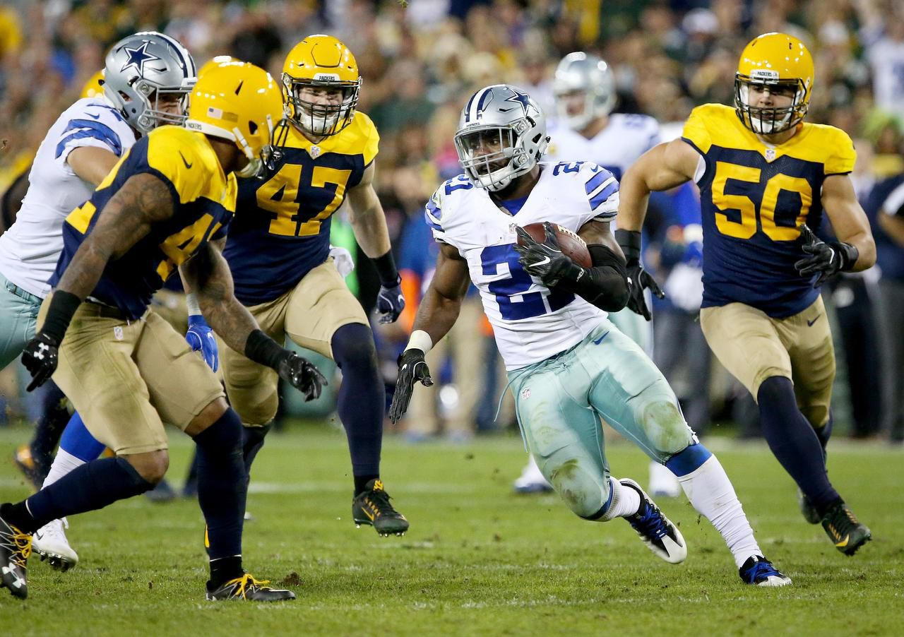 Ezekiel Elliott (21) y los Cowboys vencieron en la Semana 6 a los Packers de Green Bay en el Lambeau Field de Green Bay, Wisconsin. (Getty Images/Dylan Buell)