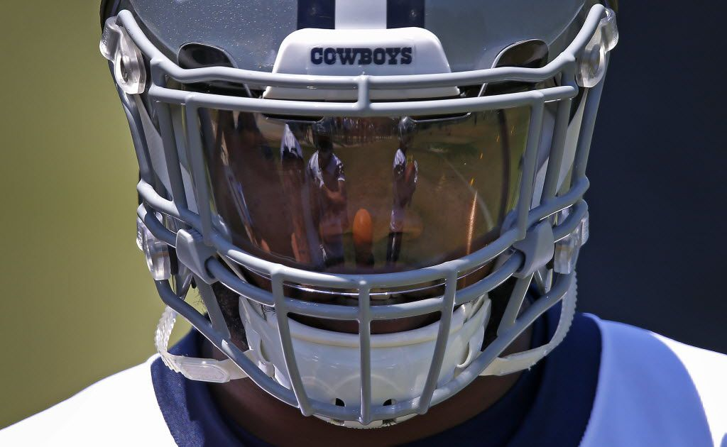 Cowboys rookie running back Ezekiel Elliott practices during the Dallas Cowboys rookie minicamp at Valley Ranch in Irving, Texas, Friday, May 6, 2016. (Jae S. Lee/The Dallas Morning News)