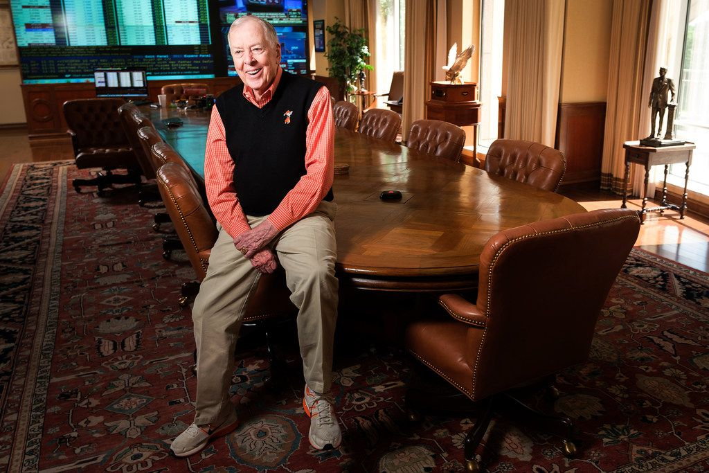 T. Boone Pickens, who's about to turn 91, photographed with his conference room table.