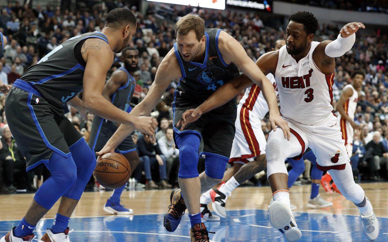 Dallas Mavericks jugarán el 9 de abril en el AAC, su último partido de temporada regular, que podría ser una despedida para Dirk Nowitzki. (AP Photo/Tony Gutierrez)