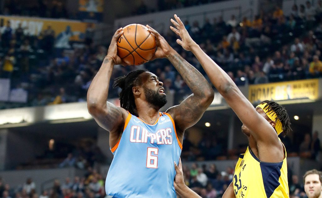 INDIANAPOLIS, IN - MARCH 23:  DeAndre Jordan #6 of the Los Angeles Clippers shoots the ball against the Indiana Pacers at Bankers Life Fieldhouse on March 23, 2018 in Indianapolis, Indiana.  NOTE TO USER: User expressly acknowledges and agrees that, by downloading and or using this  (Photo by Andy Lyons/Getty Images) ORG XMIT: 775027731