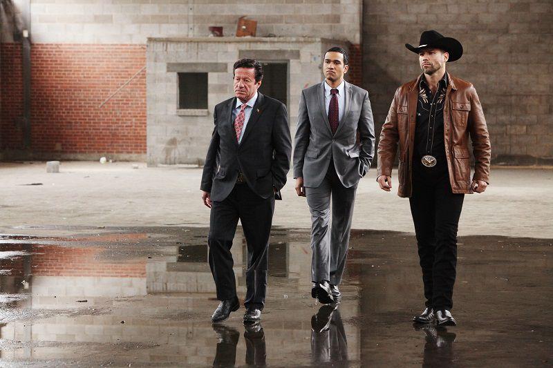 Joaquim de Almeida como don Epifanio Vargas , Rafael Amaya como Aurelio Casillas (BILL MATLOCK/USA NETWORK )