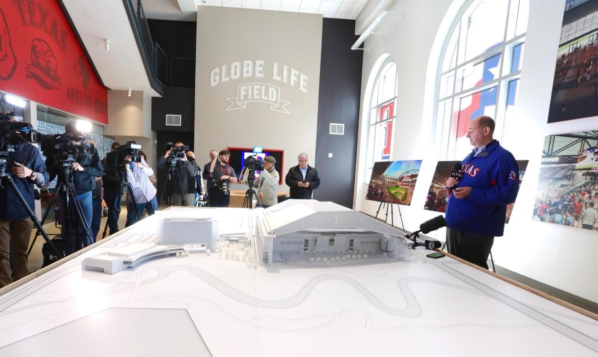 Los Rangers presentaron la maqueta que muestra cómo será el Globe Life Field de Arlington.
