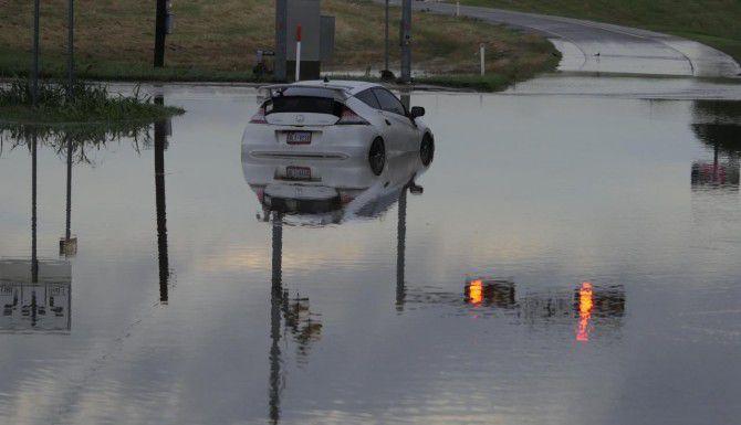 Las recientes tormentas dejaron daños por más de $61 millones tan solo en el condado de Dallas. Funcioanrios locales han solicitado asistencia federal para reparar los daños. (DMN/RON BASELICE)