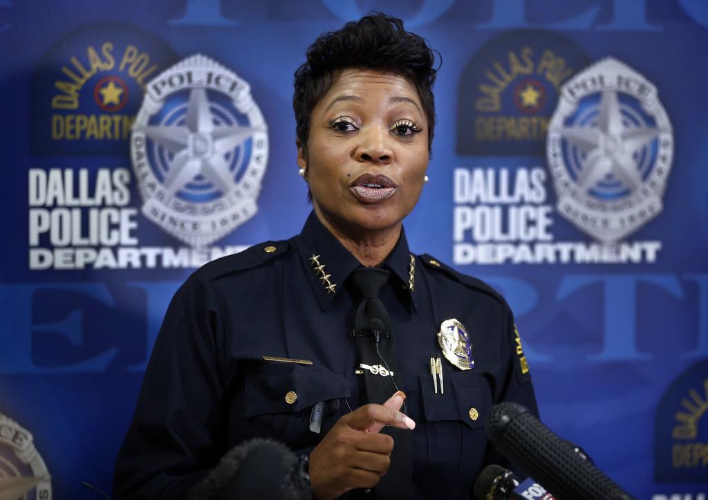 La jefa de policía, U. Renee Hall, durante una rueda de prensa sobre la muerte de Chynal Lindsey, una mujer transgénero. La tasa de homicidios en Dallas se disparó en mayo. (DMN/TOM FOX)