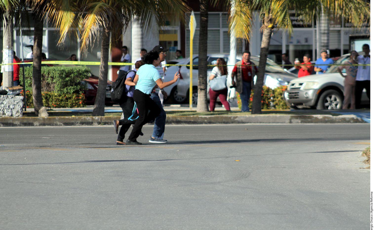 Sujetos armados dispararon en inmediaciones de las instalaciones de la Fiscalía General de Quintana Roo y la Policía Municipal de Cancún./ AGENCIA REFORMA