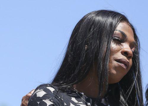 Muhlaysia Booker durante una protesta por su agresión. Booker murió asesianda el sábado. DMN